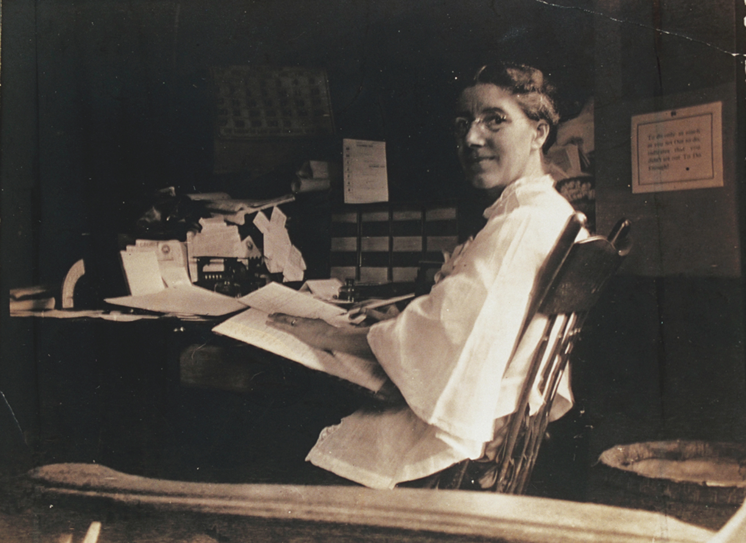 "Charlotte Perkins Gilman's ""The Yellow Wallpaper"" Essay Sample"