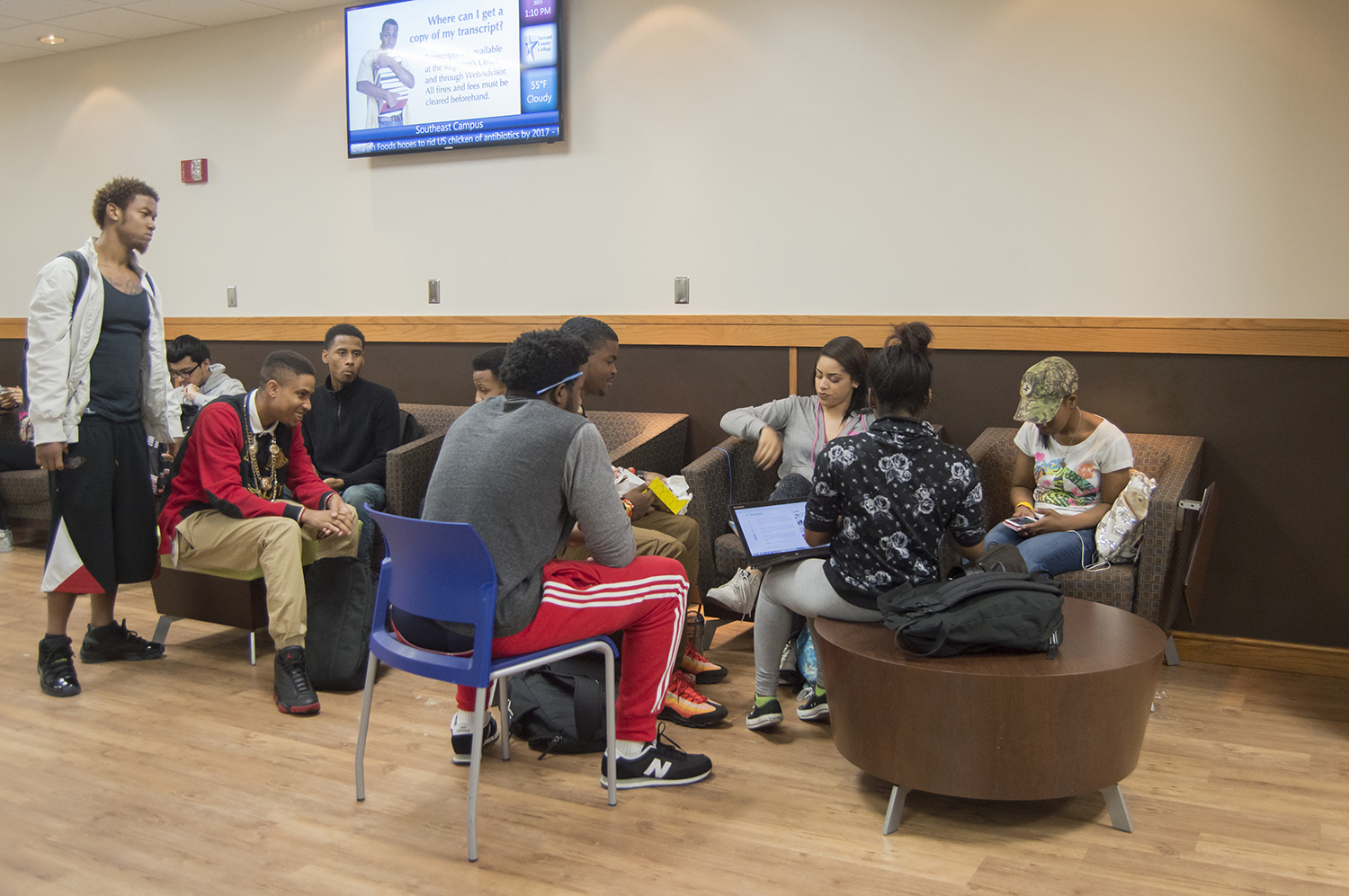 SE students often segregate themselves along ethnicity. Photo by Linah Mohammad/The Collegian