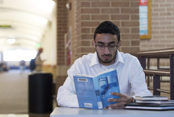 SE student Nashat Qashou is currently the president of the Muslim Student Association. The club aims to give students a healthy, social and faithful atmosphere.