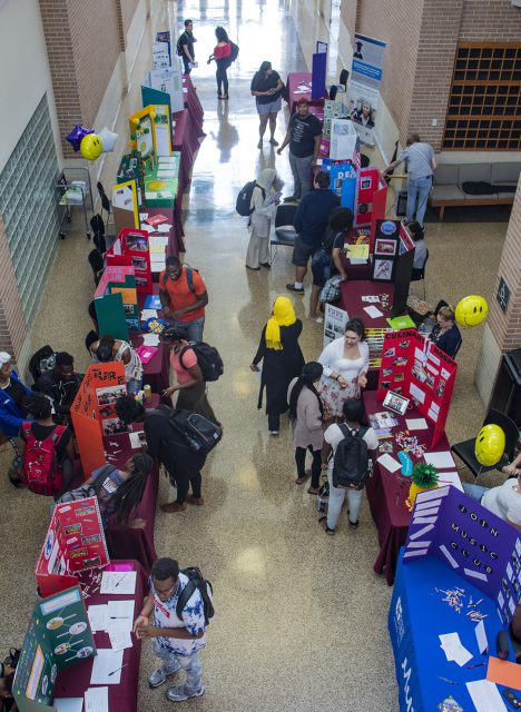 SE students gather around tables set up in the Main Commons for Club Expo Sept. 6.
