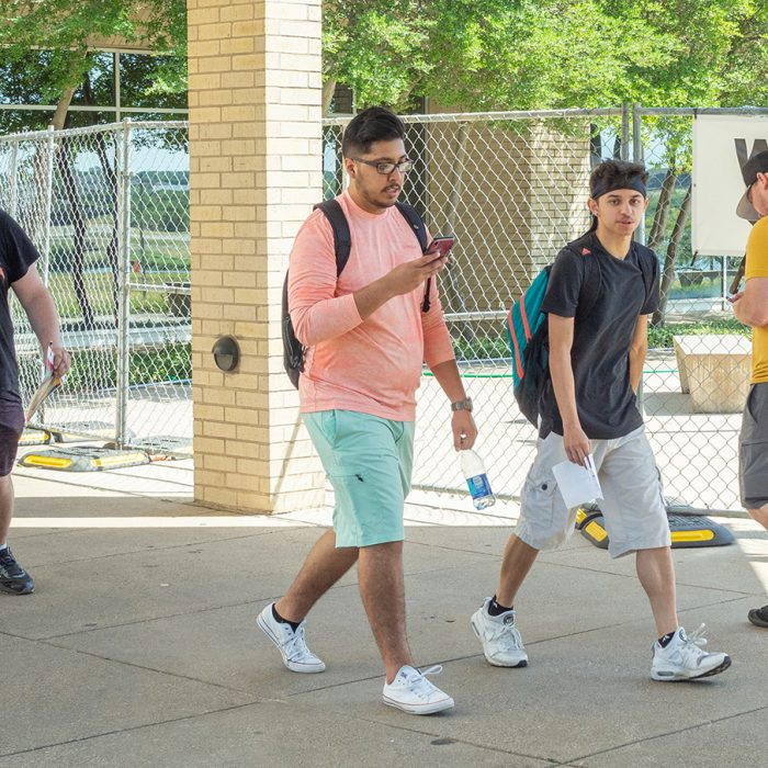 As the first day of the fall semester arrives, NW students learn to readjust to life on campus. Classes resumed Aug. 19 with a slew of welcome back to school week events, courtesy of student activities. Jonathan Johnson/The Collegian