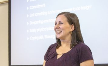 NE counselor Julie Weaver hosts a sex and intimacy workshop to open dialogue about clarity in sexual relationships on Sept. 10. Photo by Niyonkuru Yusuf/The Collegian