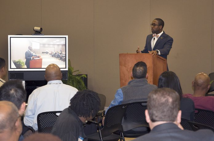 Quentin Hart, the first black mayor of Waterloo, Iowa, addressed Men of Color Mentoring members at the Spring 2017 kickoff event.