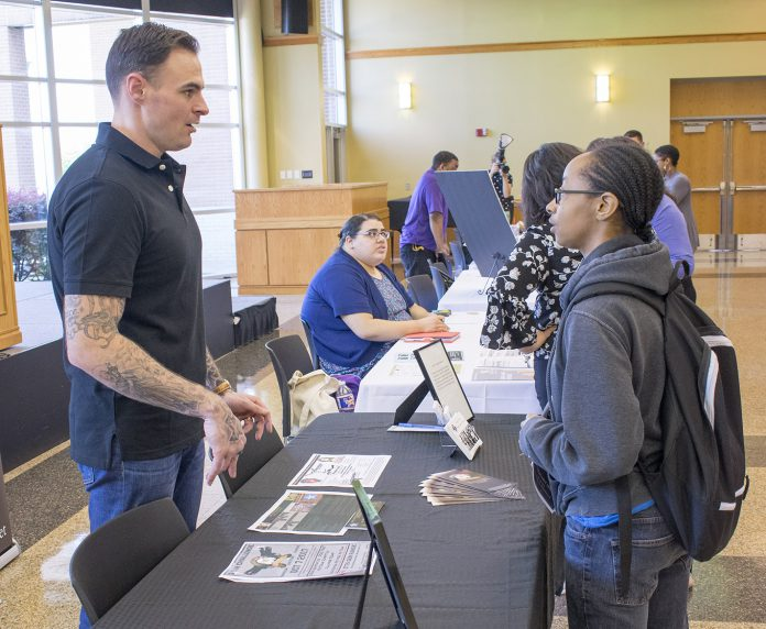 SE hosted a Veterans Resource Fair where community partners discussed programs for veterans who are enrolled at TCC. Rusty Carter talks with Cari Hammond about about Stay the Course, a program that offers counseling services to veterans and first responders.